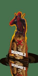 standee av deadpool 2 sett skrått forfra